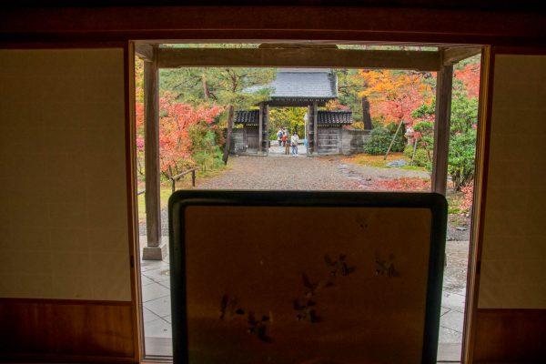 表玄関から正門