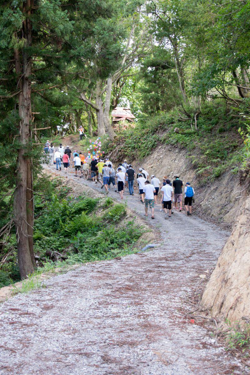 秋葉山神社へ
