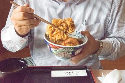 しょじょじ 食事中の風景